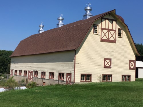 Indian Hill Manor Barn